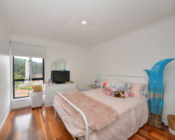 11/1614 Gold Coast Highway Burleigh Heads -walk to town
