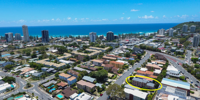 3/26 Stephen Street, Burleigh Heads Auction 18 August 10am